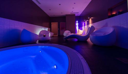SEVEN URBAN SUITES NANTES CENTRE & SPA